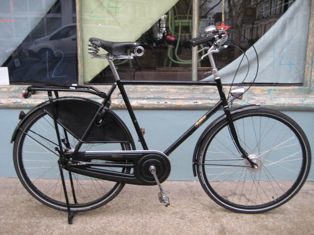 MISCELLANEOUS Pashley Roadster Sovereign click to zoom image